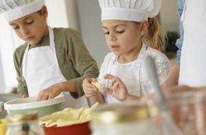 Taller de cocina para niños en Navidad