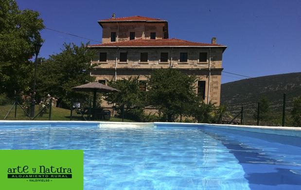 Hotel rural con jacuzzi y lechazo para 2 descuento 41 for O2 piscina sevilla
