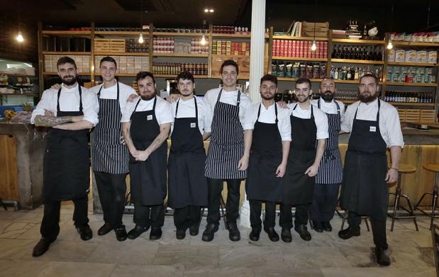 Ovejas negras cocina en exclusiva para ti por 29 for Cocinas sevilla ofertas