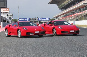 ¡Conduce un Ferrari o un Lamborghini!